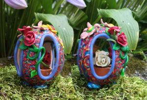 four_side_cut_a_way_egg_flowers_polymer_clay