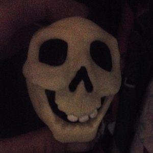 week_39_fluorescent-skull