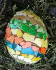 cockatiel_egg_shell_mosaic_egg