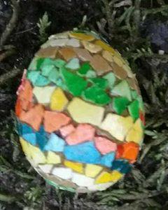 cockatiel_egg_shell_mosaic_egg